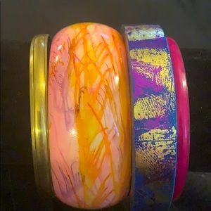 NWT SET OF 4 BANGLES YOU ARE GOING TO LOVE ❤️
